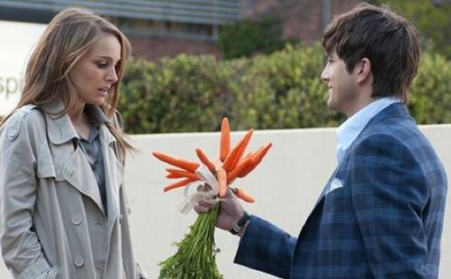 Portman y Kutcher en No Strings Attached: primer triler