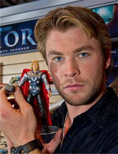 Thor llega en mueco articulado