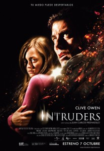 Cártel definitivo de 'Intruders' con Clive Owen