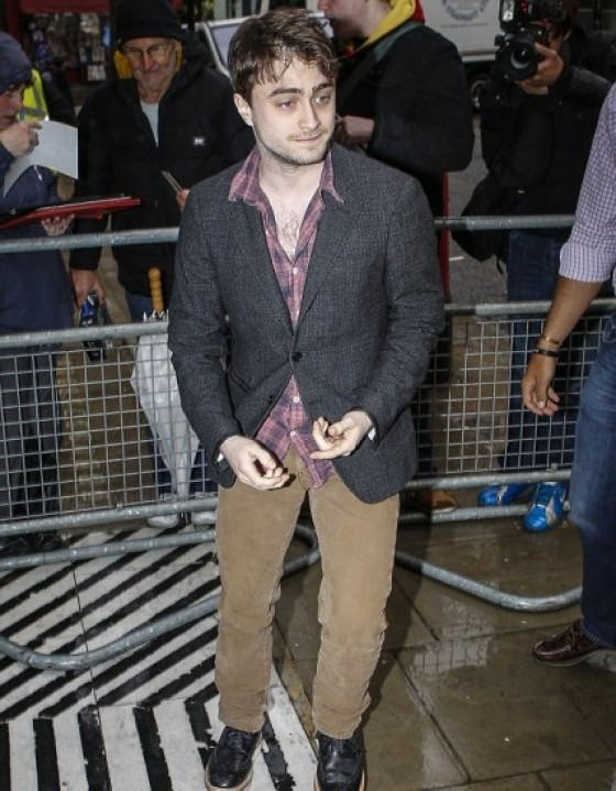 Daniel Radcliffe ser el periodista en Tokyo Vice